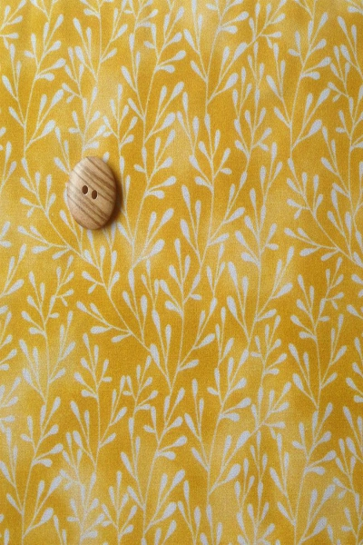 yellow-springs-100-cotton-line-printed-luna-digital-print-fabric
