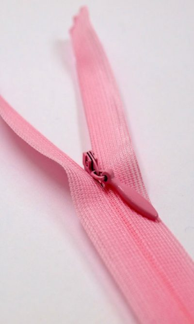 22-56cm-light-pink-invisible-concealed-zip