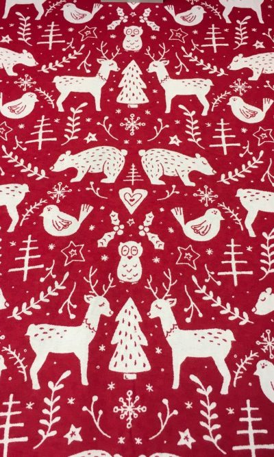 100-cotton-snuggle-flannel-fabric-red-christmas-theme