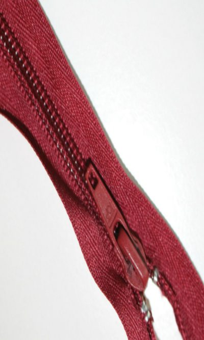 18-46cm-burgundy-open-ended-zip