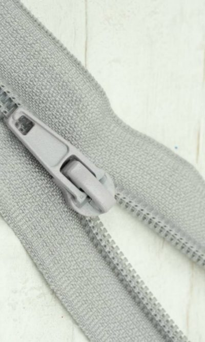 18-46cm-light-grey-open-ended-zip